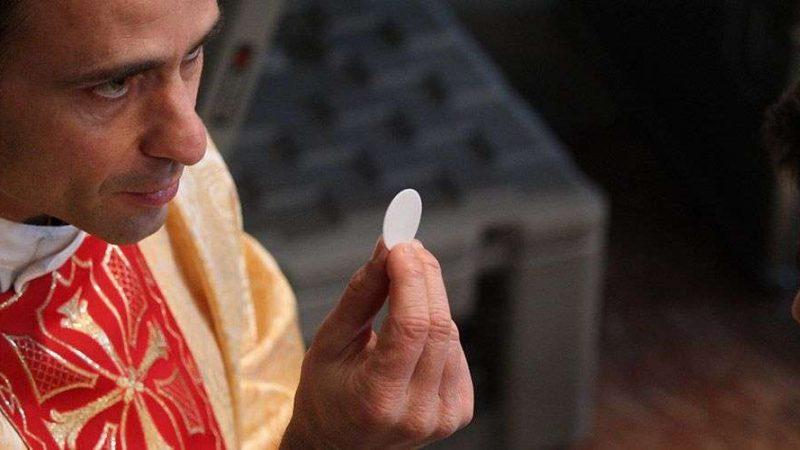 Qual oração fazer após comungar?